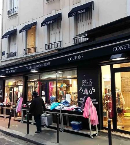 paris,18e,commerce,tissus,valises,barbès,clignancourt