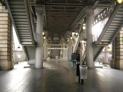 station Barbès été 2008.JPG