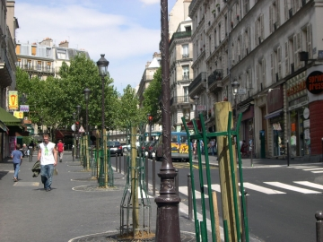 medium_rue_des_martyrs_5.jpg
