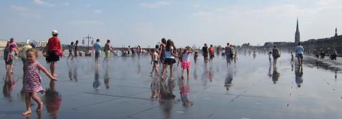 place-de-la-république,bordeaux,vacances,carte-postale,urbanisme,miroir-d-eau,eau