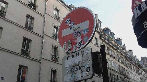 paris,affichage-sauvage,panneaux