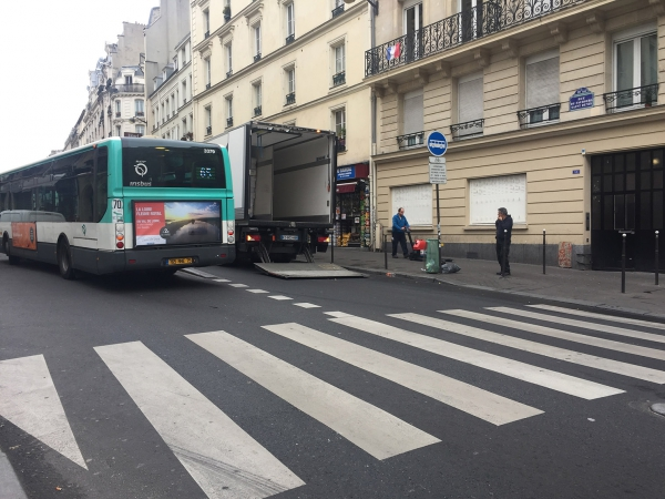 paris,10e,commerces,occupation-trottoirs,livraisons