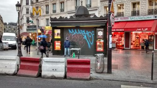 paris,kiosque,journaux,château-rouge,barbès