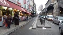 paris, 18e, Barbès, métro, trottoir, voirie, motos, stationnement, livraisons