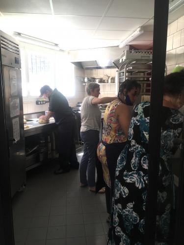 Quartier Libre 6 cuisine action.jpg