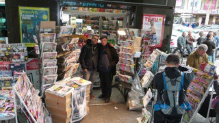 paris,barbès,kiosque,journaux,presse,lebcher