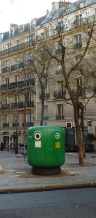 paris,9e,place-turgot,colonne-à-verre